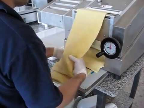 Machine fabriquer des feuilles de p te de couleur doovi - Machine a pate penne ...