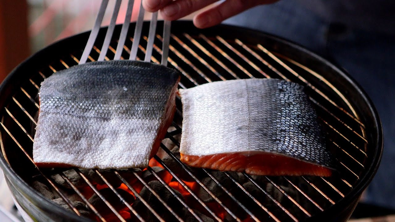 How to grill a sockeye salmon fillet - YouTube