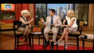 christina aguilera on live with regis and kelly 6 10 2010 interview