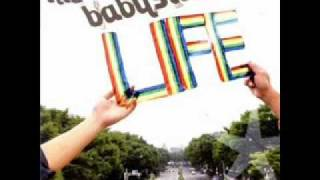 「LIFE」より かなりいい曲です 活動長続きほしい。