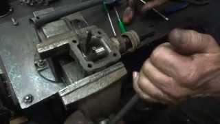 Repeat youtube video Toyota Bandeirante - 4x4 e Reduzida pararam de engatar - problema resolvido