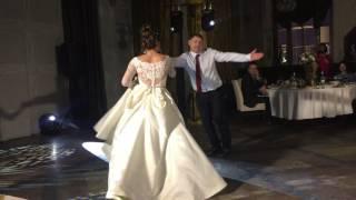 Зажигательный танец папы с невестой