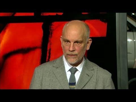 John Malkovich sauve la vie d'un homme à Toronto
