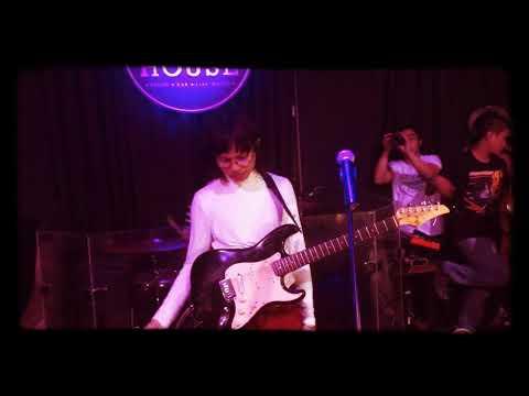 Mundo - IV of Spades Live @ Social house Circuit Makati