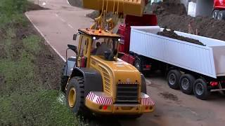 AWESOME CONSTRUCTION SITE - BIG AN AMAZING RC MACHINES AT WORK - LIVE ACTION