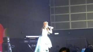 中川翔子live @ 8/1 香港動漫節2009 3/3 由於手持相機拍攝,故此畫面會...
