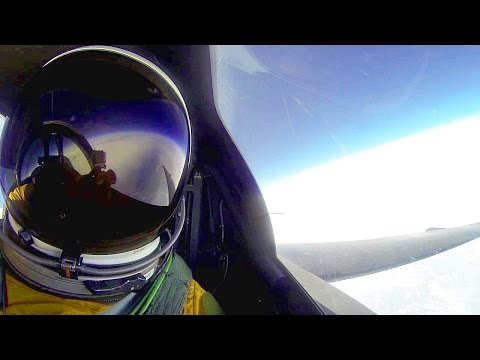 U-2 Spy Plane At Extreme Altitude - Cockpit View At 70,000 Feet