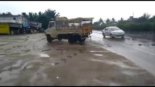 Road accident in hassan bangalore highway