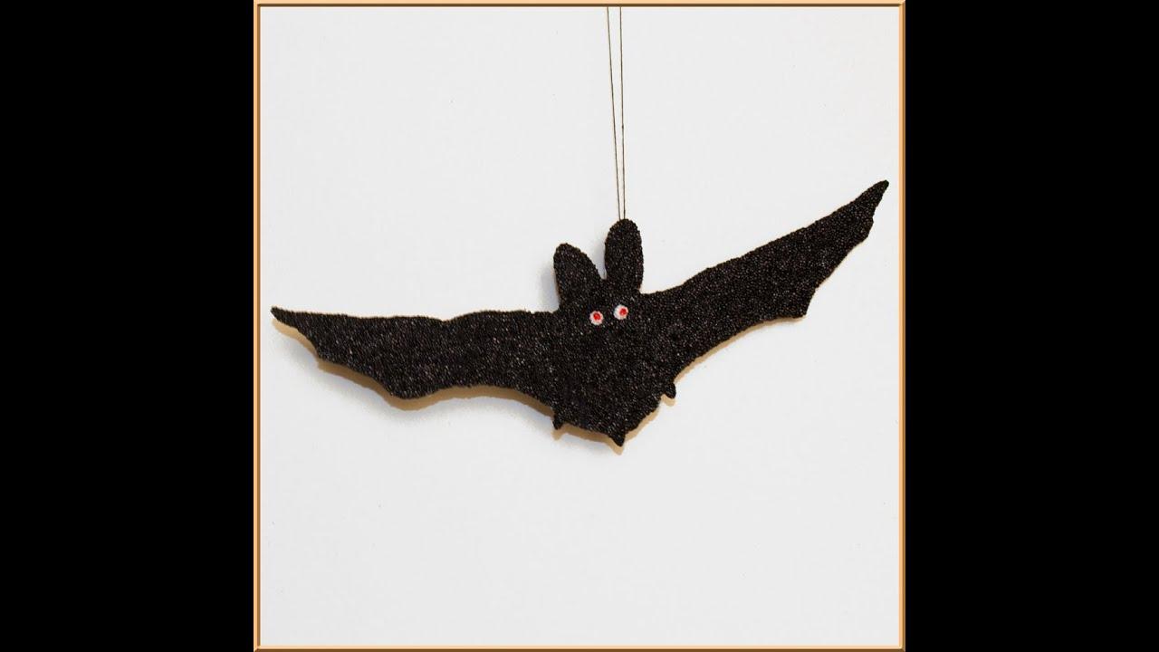 Bastelidee für Halloween: Fledermaus basteln - YouTube