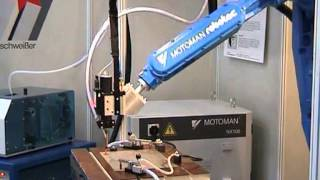 Bolzenschweißen mit Roboter