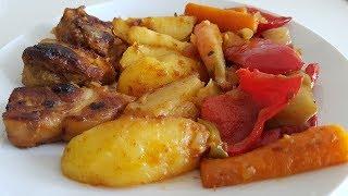 Очень вкусное Жаркое из свинины с картошкой и овощами.