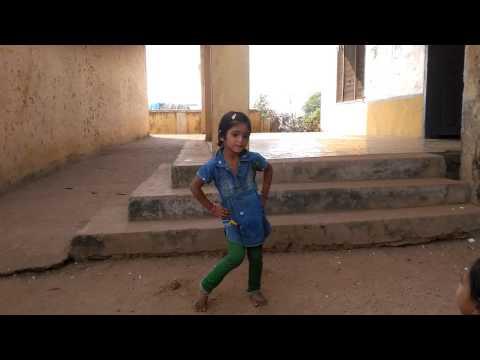 Utti meeda koodu urinchinattu song dance by our first class student kaveri