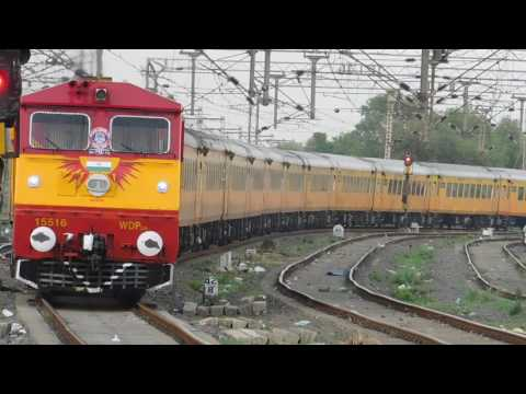 Tejas Express With New Locomotive Kalyan WDP3A : India's First High Speed Luxurious Train