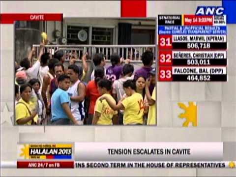 Municipal hall in Tanza, Cavite barricaded