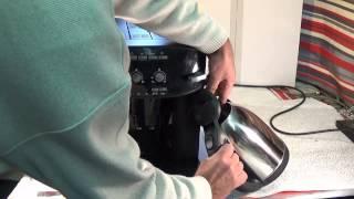 Комплексная чистка кофемашины. Часть 2(Как почистить кофемашину от накипи и грязи.Чистка кофемашины Delonghi Caffe Corso., 2015-01-02T15:18:08.000Z)