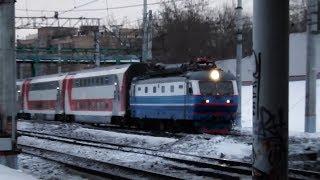 Смотреть видео ЧС2к с двухэтажным поездом №50 Москва - Самара онлайн