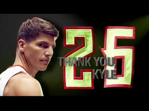 Kyle Korver Returns To Atlanta and Helps Make History! | 03.03.17