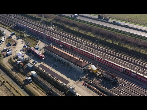 Treno deragliato a Lodi, le immagini dal drone