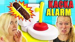 KACKA ALARM Challenge - NINA VS KATHI Wer kann die verstopfte Toilette wieder freimachen?