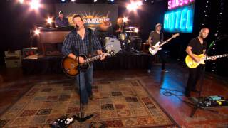 "Pat Green performs ""Wave On Wave"" on the Texas Music Scene"