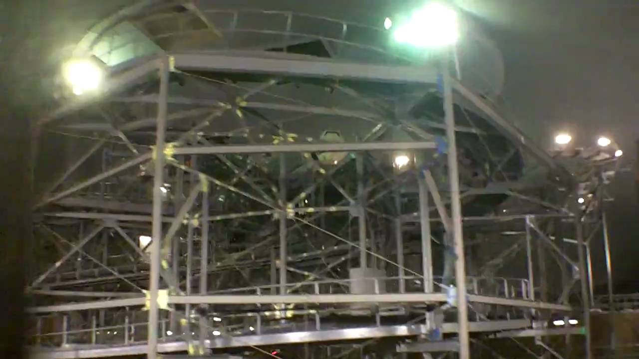 walt disney world space mountain interior lit up with work lights youtube. Black Bedroom Furniture Sets. Home Design Ideas