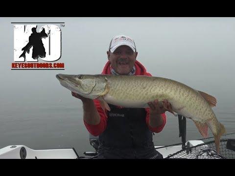 Solo Musky Fishing in Green Bay, Wisconsin