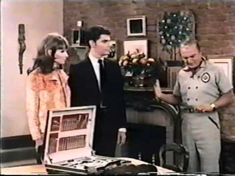 "He And She, Episode 9: ""Vote Yes Or No"" (1967)"