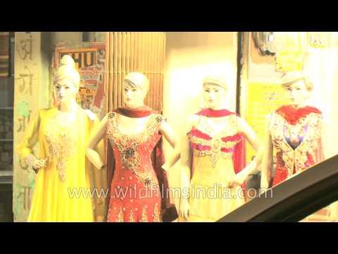 Ethnic clothing stores for ladies at Varanasi, Uttar Pradesh