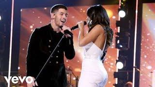 Baixar Anitta & Nick Jonas cantam Looking Of Paradise para Homenagear Alejandro Sanz