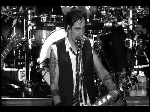 Three Days GraceLive - RIOT 2011 Rockfest