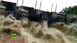 Abren las esclusas de una presa tras las intensas lluvias en el norte de India