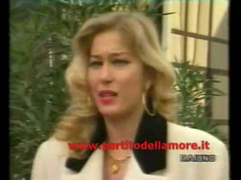 Watch moana pozzi wikipedia streaming download moana - Diva futura ragazze ...