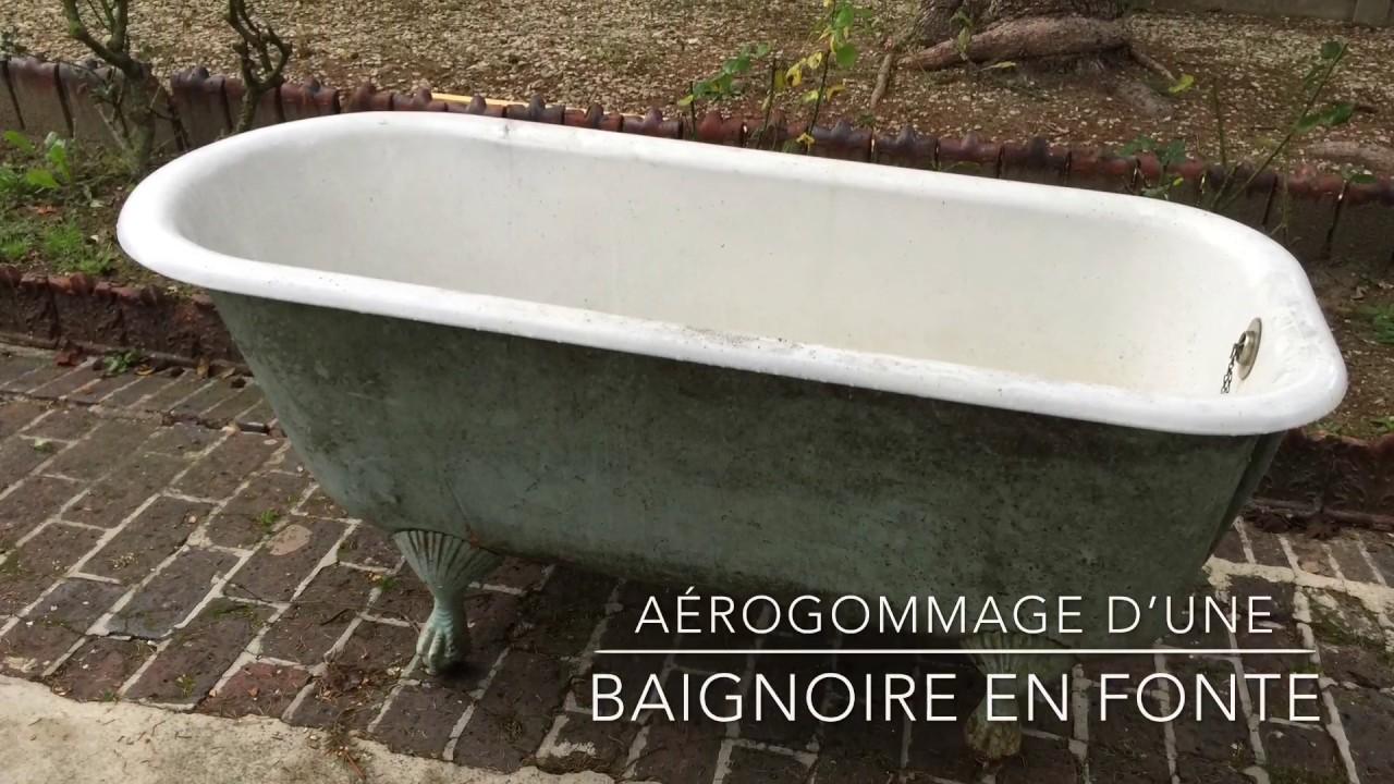 aerogommage d une baignoire en fonte