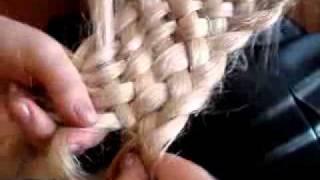 видео Плетение косичек. Мастер класс