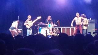 """Mac DeMarco Gets Weird at Nelsonville  - """"Enter Sandman"""" (6/3/16)"""
