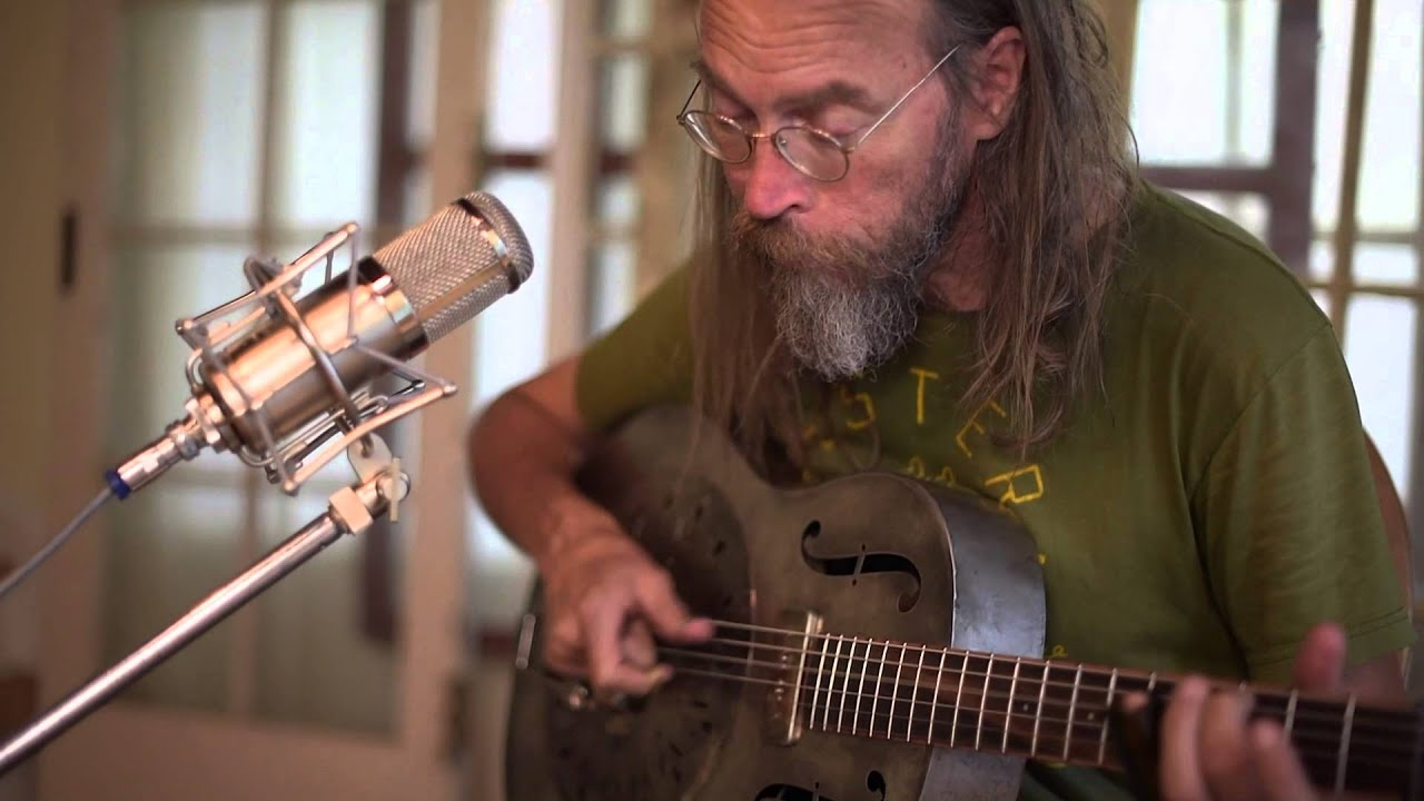 charlie-parr-funeral-road-blues-beehive-productions