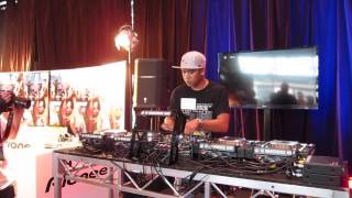 dj ravine with pioneer pro dj emc 2012 and special mini mix by dj chuckie