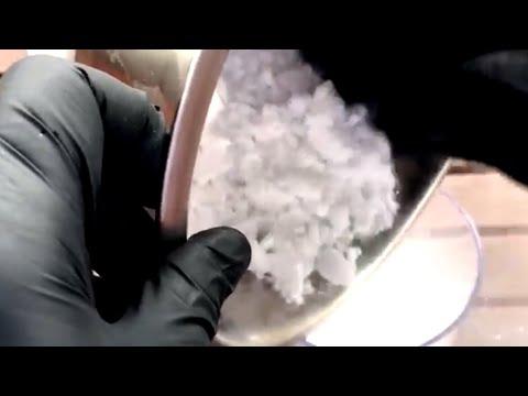 Как делают сухой лед видео