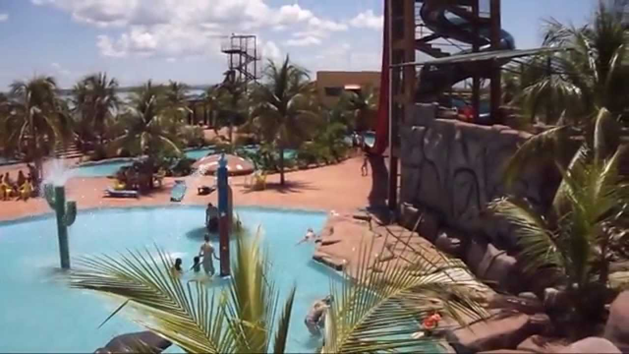 Vlog thermas piscina zueira tobo gua ensopado humano for Vlog in piscina