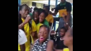 D-medz - singing Nuh falla bad company at Porus High