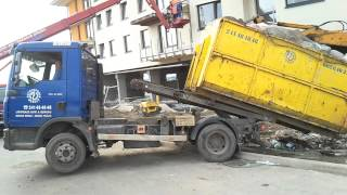 Přeložený kontejner