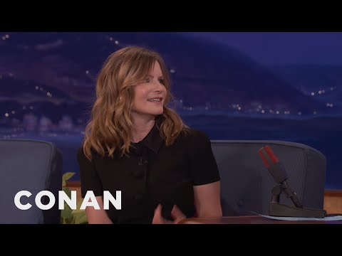 Jennifer Jason Leigh Avoided Quentin Tarantino's Purple Dildo