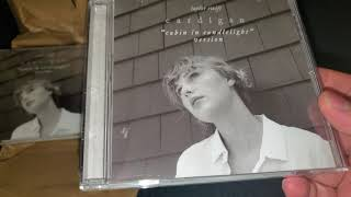 """Gambar cover Taylor Swift - Cardigan """"cabin in candlelight"""" version - CD single unboxing video"""