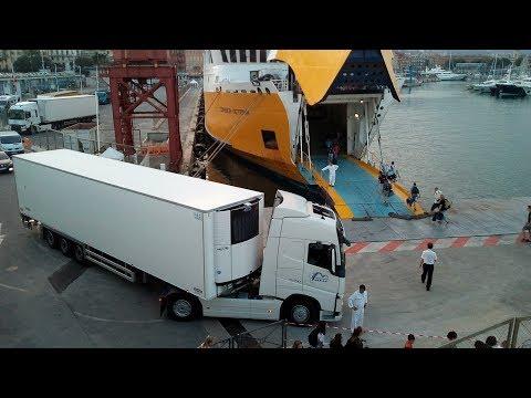 Big Truck gets stuck boarding Corsica Sardiania ferries