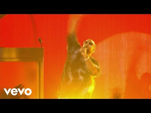 Shaggy - I Need Your Love (Live on the Honda Stage at the iHeartRadio Summer Pool Party)