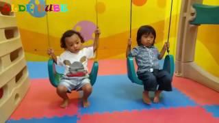 Asyiknya Bermain Ayunan Perosotan Panjat Tangga Tali Dan Mandi Bola - Fun Indoor Playground for Kids