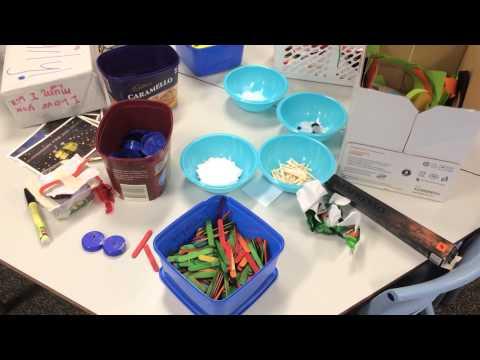 Dạy trẻ em làm đồ chơi từ phế thải