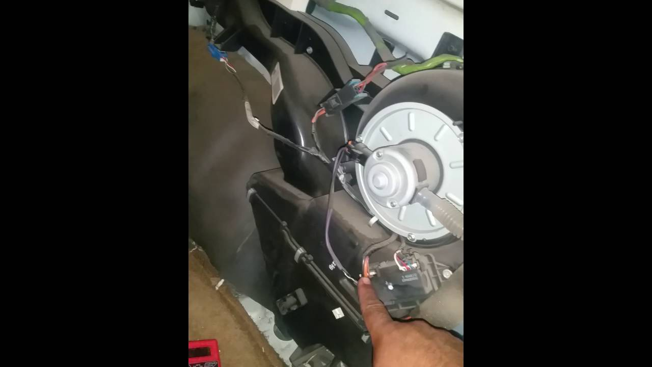 medium resolution of chevy tahoe suburban rear blower stops working how to fix youtube fuse box diagram further 2003 chevy tahoe rear ac blend door on
