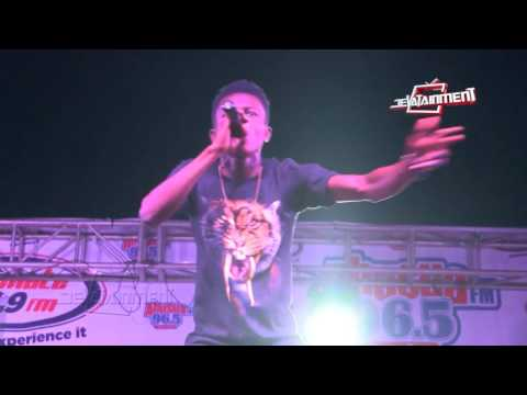 Strongman Burner murdered the microphone @ Shatta Wale s Peace Concert in Kumasi