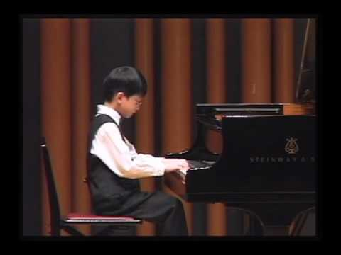 Bach Little Prelude BWV 927 (Tommy, 6 Yr)